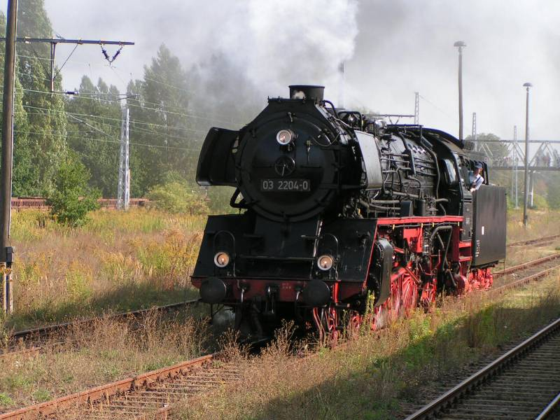 http://www.eisenbahndet.de/DSO/032204SchauBlnDSO.jpg