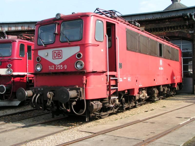http://www.eisenbahndet.de/DSO/142255BlnDSO.jpg