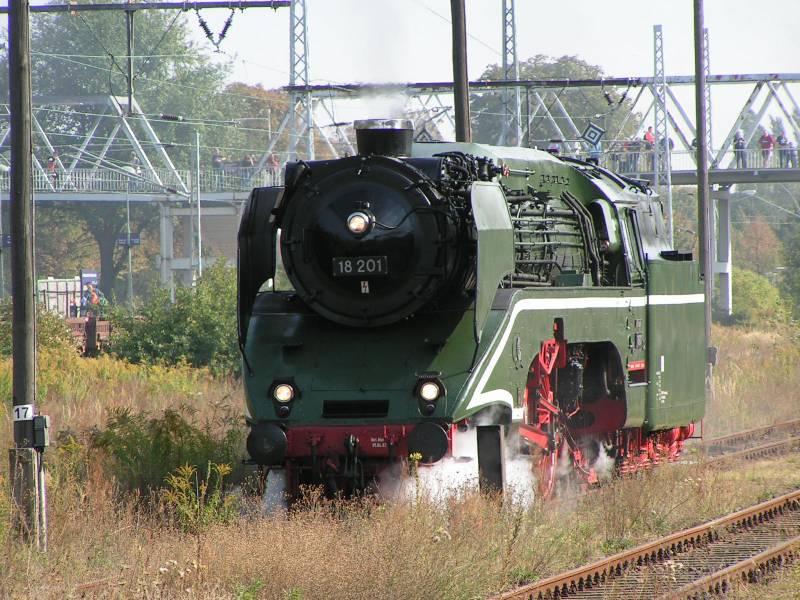 http://www.eisenbahndet.de/DSO/18201BlnDSO.jpg